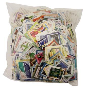 Lot de 700 gr de timbres modernes sur fragments - Timbre DOM-TOM Poste